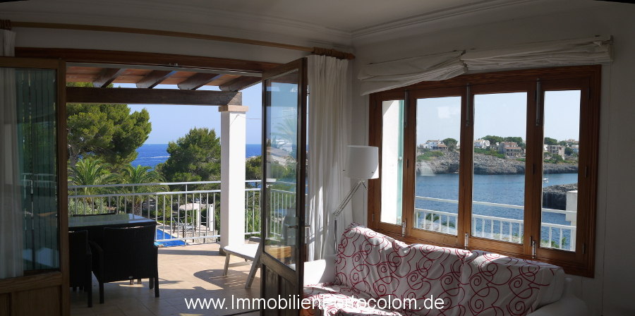 Apartment with ocean view Portocolom livingroom5 12718