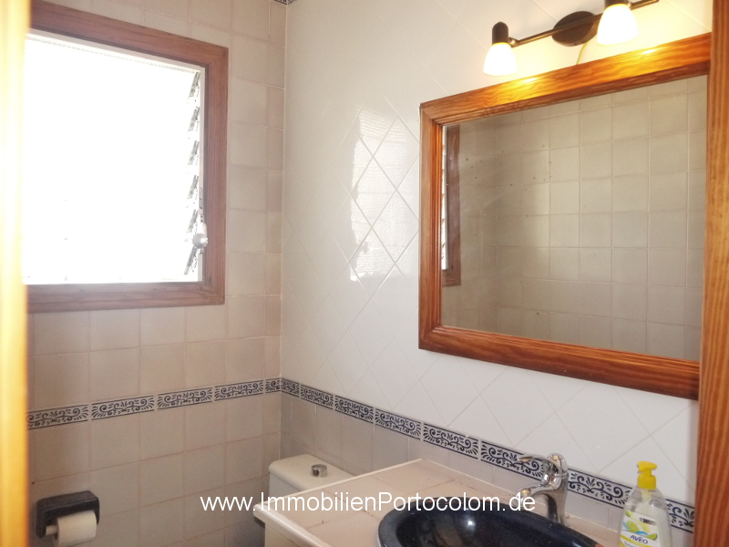 Apartment with ocean view Portocolom bathroom2 12718