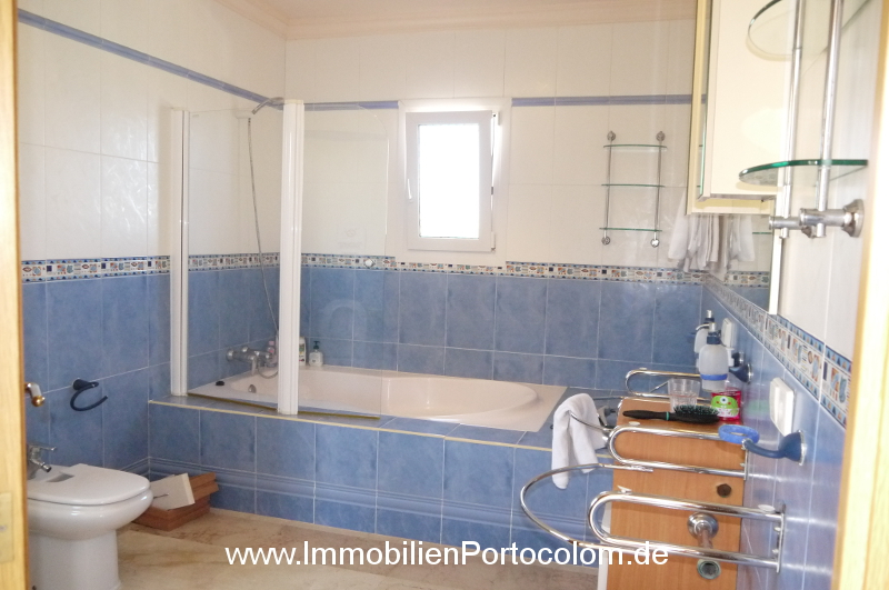 Chalet in Portocolom bathroom4 11719
