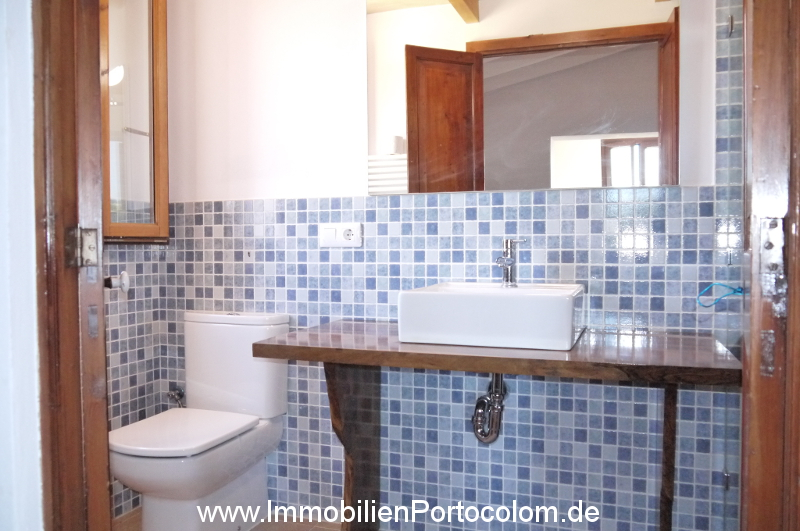 Finca Portocolom bathroom1 16719