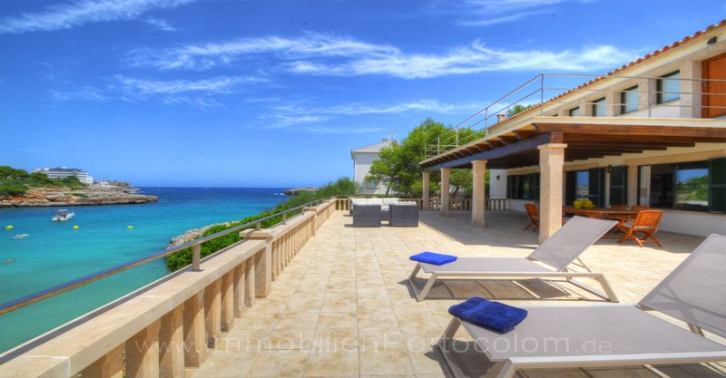 Beach Villa Cala Marcal with pool and holiday License - Villa with pool on the beach of Porto Colom